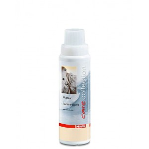 Detersivo speciale per outdoor da 250 ml.